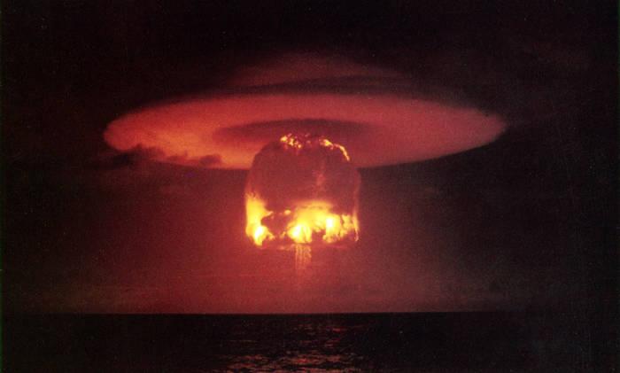 Explosión nuclear de Castle Romeo, 27 de Marzo de 1954.