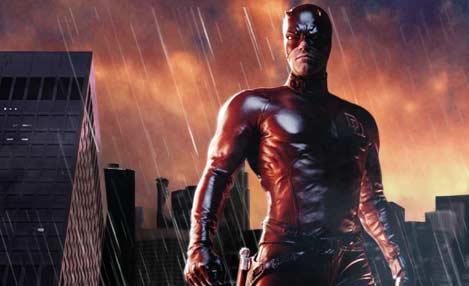 Daredevil es un super héroe de Comics de Marvel, encarna un abogado ciego que tiene sus otros sentidos aumentados.