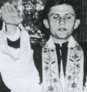 Joseph Ratzinger saludo nazi.