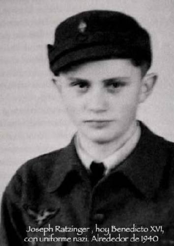 Joseph Ratzinger uniforme nazi.
