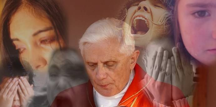 El papa disculpa la pederastia como si sólo fuera una debilidad humana.