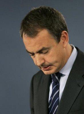 Zapatero explicando las duras medidas para frenar la crisis.