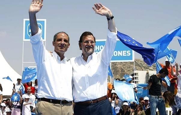 Rajoy apoyando a Camps.
