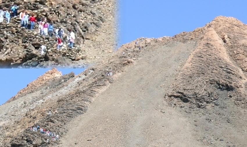 Excursionistas en la cima del Teide.