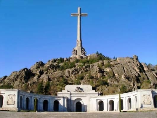 La libertad de culto franquista para los caídos de la guerra civil española