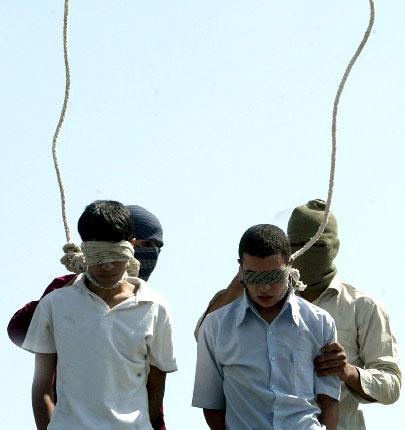 Jóvenes gais ajusticiados en Irán.