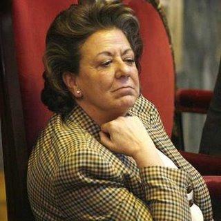 Rita Barberá dice que no se bajará el sueldo.